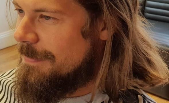 Hur trimmar man egentligen skägget bäst? På Salong 121 vet hur vi håller ditt personliga skägg snyggt